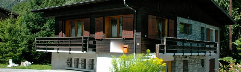 REF 12 Grand Chalet sur terrain de 1500 m2 face au Mont Blanc, beau potentiel