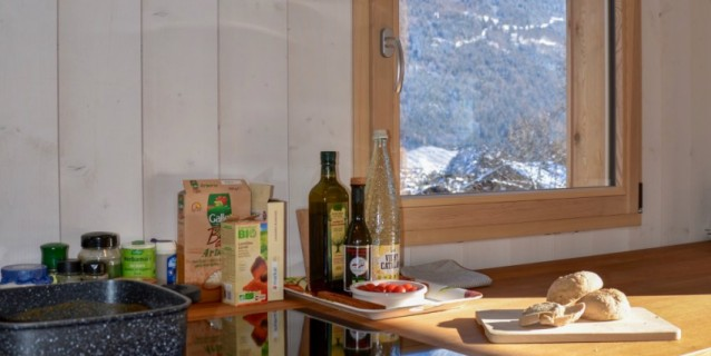 UNDER OFFER / RENOVATED CHALET CLOSE TO SKI SLOPES ST GERVAIS