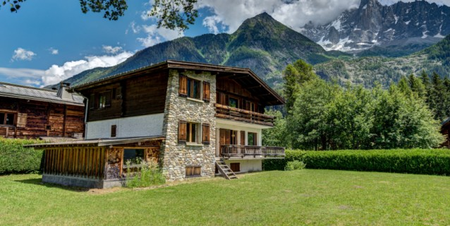 COUNTRY HOUSE TO REFURBISH LES BOIS CHAMONIX